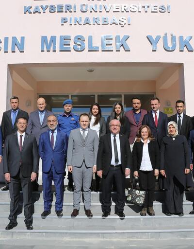 KAYÜ Rektörü Karamustafa'dan Pınarbaşı MYO'ya ziyaret