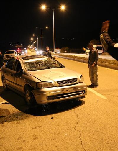 Tunceli'de otomobil takla attı: 3 yaralı