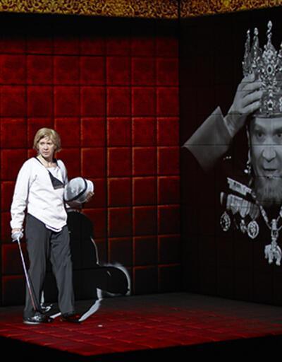 Hamlet İstanbul Tiyatro Festivali'nde