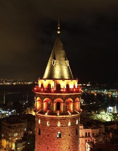 İstanbul'un rengi turuncuya döndü