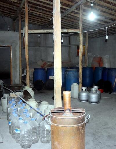 Evin terasını içki fabrikasına çevirdi