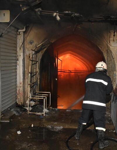 Osmanlı'nın 200 yıllık emanetiydi! Çok sayıda dükkan yandı