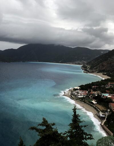 Büyüleyen manzara... Fethiye'de denizin rengi değişti