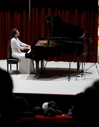 Rus piyanist Tekirdağ'da konser verdi