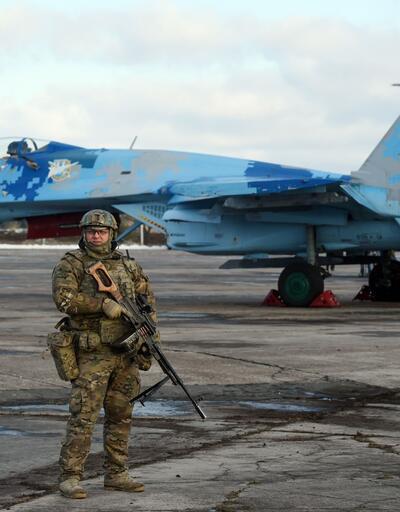 Ukrayna'da Su-27 tipi savaş uçağı düştü!