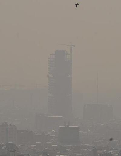 Tahran'da hava kirliliği nedeniyle dışarı çıkmama uyarısı yapıldı