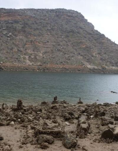 Yıllar önce sular altında kalan köyleri ortaya çıktı
