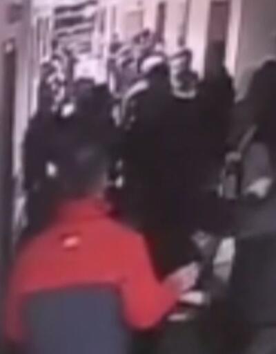 Hastanede güvenlik görevlileriyle hasta yakınları birbirine girdi