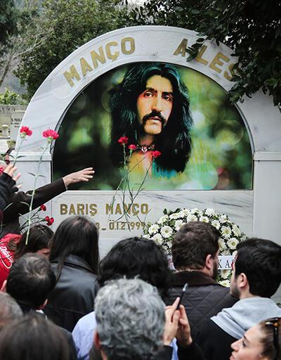 Barış Manço ölümünün 20. yılında mezarı başında anıldı