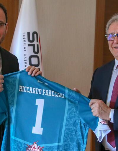 Bakan Kasapoğlu, Riccardo Fraccari'yle beyzbol konuştu