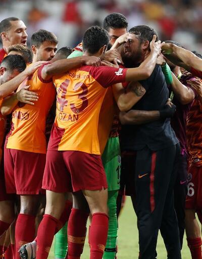 Galatasaray'da 3 futbolcu daha gidiyor