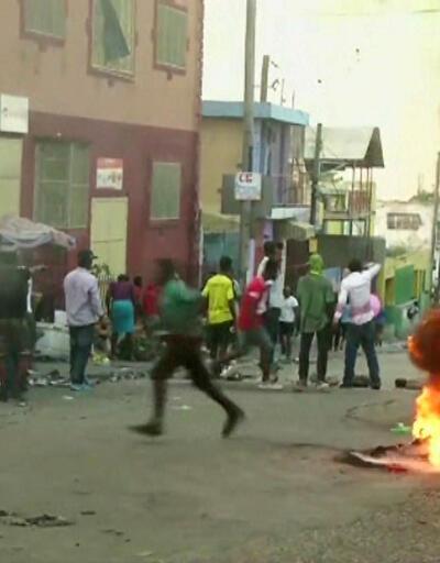 Haiti'de halk 4 gündür sokakta: 4 ölü