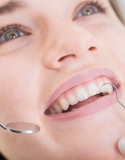 Diş eti problemleri gülmeyi engelliyor