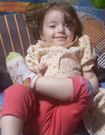 Üvey babasının dövdüğü minik Esma, yaşam savaşını kaybetti