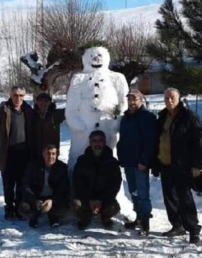 Köy halkının kardan adam ilgisi