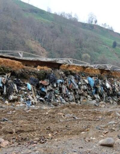 Duvar çalışmasıyla 'çöp dağı' ortaya çıktı