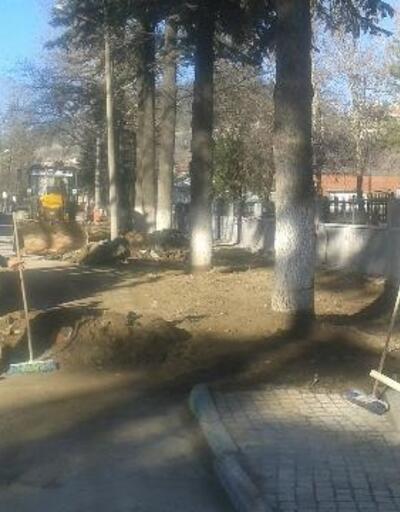 Keles'te okul önlerindeki yaya kaldırımları genişletiliyor