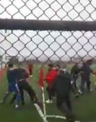 Kahramanmaraş'ta maç bitti, tekmeler havada uçuştu