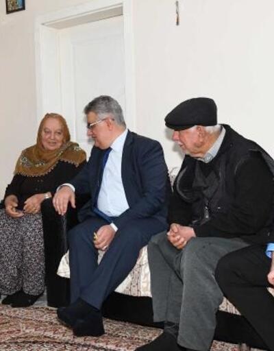 Vali Pekmez'den  şehit ailesine ziyaret