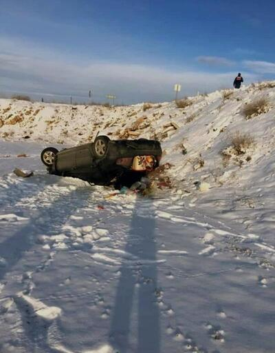 Kütahya'da otomobil şarampole devrildi, karı-koca yaralandı