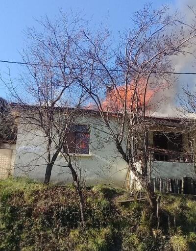 Şile'nin tek katlı ev alev alev yandı