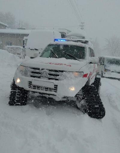 Kayseri'de diyaliz hastaları paletli ambulansla hastaneye götürüldü