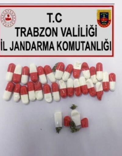 Hükümlü, hastane dönüşü ilaç kapsüllerine sakladığı esrarla yakalandı