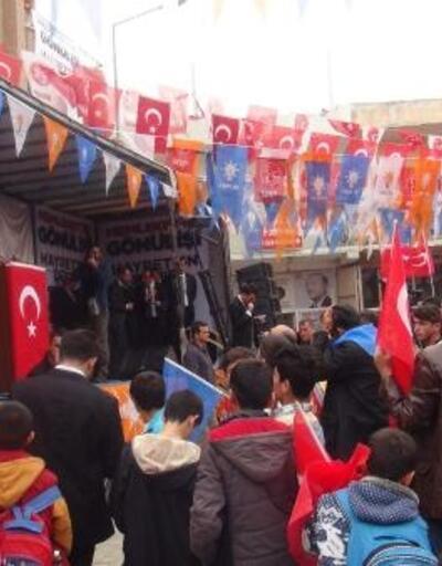 Bakan Kasapoğlu: Yol yapması gerekenler çukur kazarak halka ihanet etti