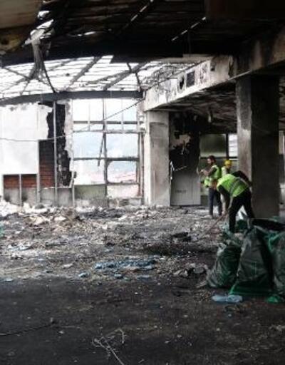 Avrasya Üniversitesi'nde yangının izleri silinmeye çalışılıyor