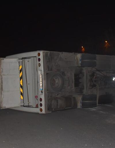 İşçi servisiyle belediye otobüsü çarpıştı: Çok sayıda yaralı var