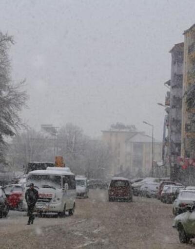 Çameli'de kar yağışı etkili oldu