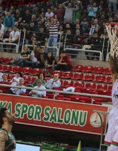 Pınar Karşıyaka 80-74 Banvit maç sonucu
