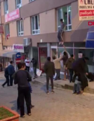 Pansiyondaki öğrenciler camdan atladı