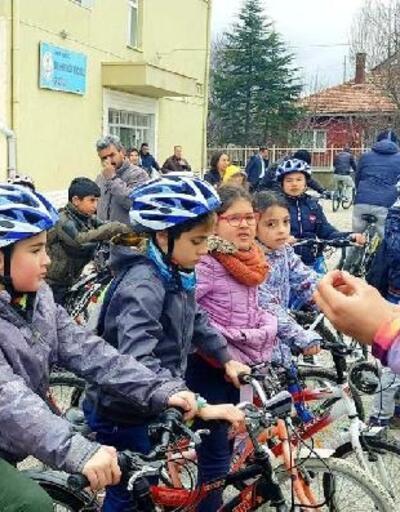 Elmadağ'da öğrenciler pedal çevirdi
