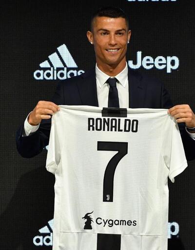 Ronaldo'nun kliniğinde saç ektiren tanıdık futbolcular