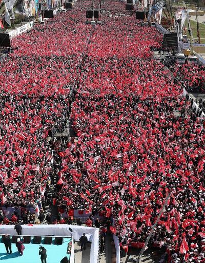 Ankara'da tarihi gün! Yüz binler akın etti