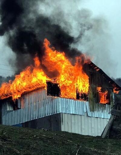 Mudurnu'da yayla evi alev alev yandı