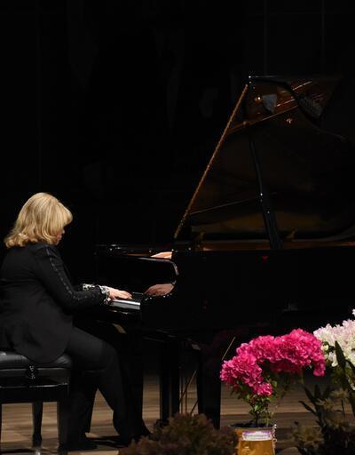 Piyanist İdil Biret'ten Bodrum'da resital