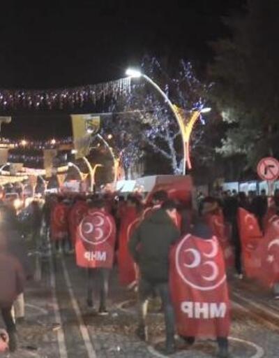 Bayburt'ta MHP'li aday kazandı, partililer kutlama yaptı