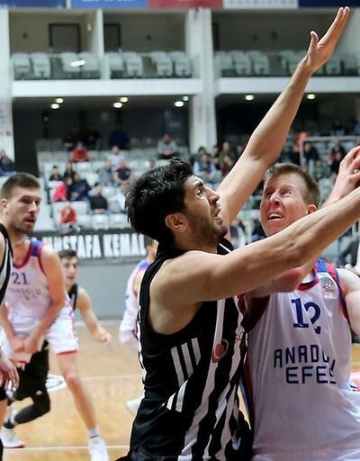 Anadolu Efes ligde de 19. galibiyetini aldı