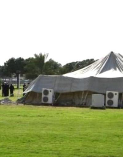 Muammer Kaddafi'nin ünlü Bedevi çadırı açık arttırma ile satışta