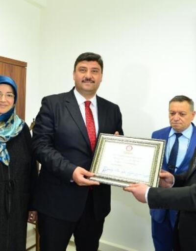 Kahramankazan Belediye Başkanı Oğuz, mazbatasını aldı
