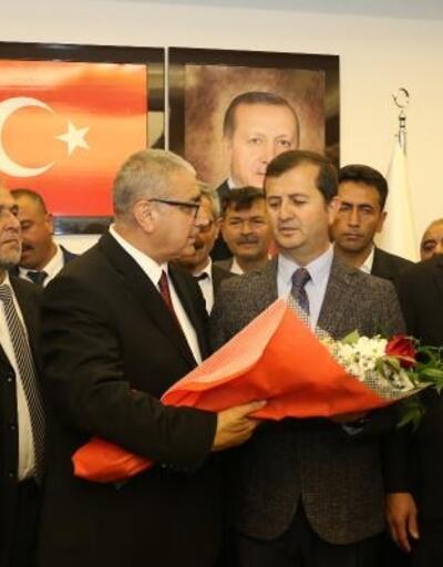 Pazarcık Belediye Başkanı Yılmazcan mazbatasını aldı