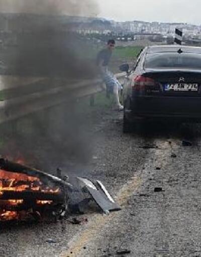 Otomobille çarpışan motosikletteki 2 kuzen öldü