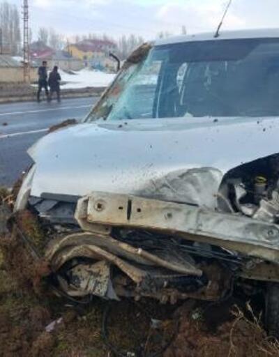 Hafif ticari araç takla attı: 1 çocuk öldü, 2'si çocuk 6 yaralı
