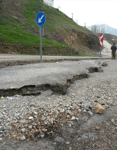 Çukurca'da toprak kayması: 10 ev boşaltılacak