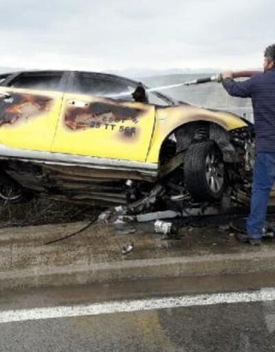 Kazada alev alan otomobilde sürücü yaralandı, eşi öldü