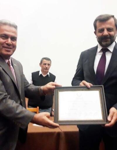 Gürsu Belediye Başkanı AK Parti'li Işık, mazbatasını aldı