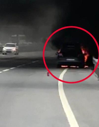 Otomobil alev alev yandı, sürücüsü canını zor kurtardı