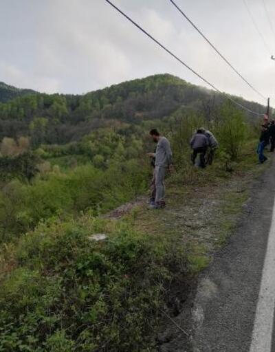 Uçuruma yuvarlanan otomobilden baba ve oğlu kurtarıldı